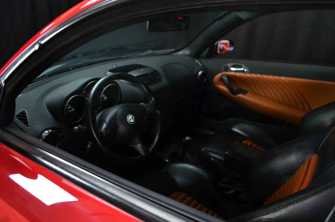 Alfa-Romeo-147-3.2-GTA-Rossa-ClassicheAuto-10