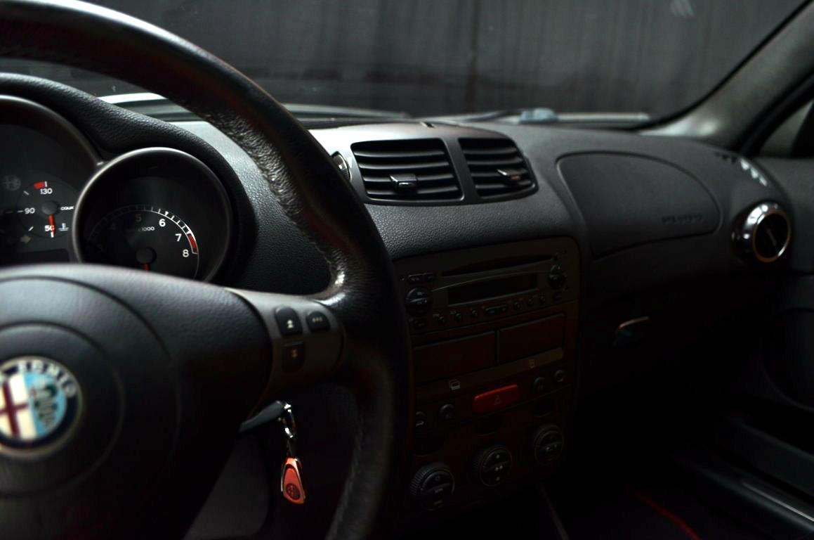 Alfa-Romeo-147-3.2-GTA-Rossa-ClassicheAuto-14