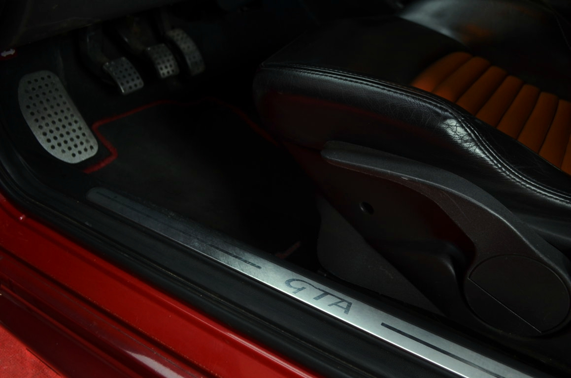 Alfa-Romeo-147-3.2-GTA-Rossa-ClassicheAuto-5