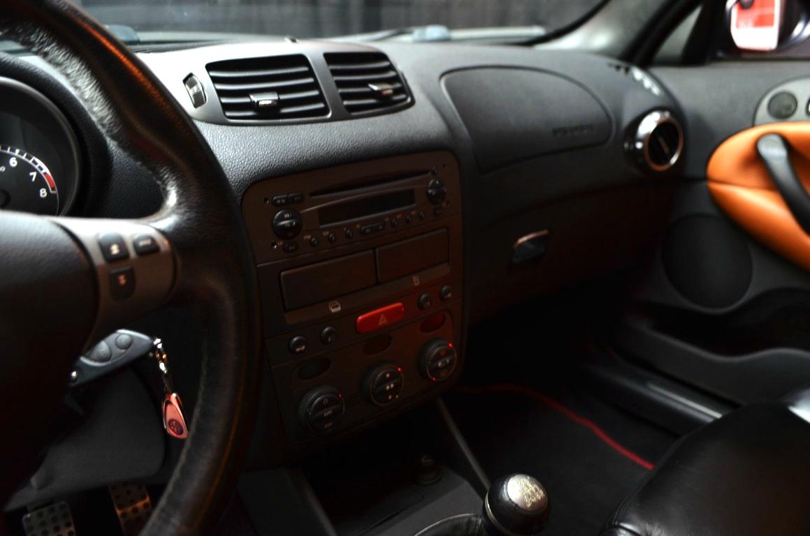 Alfa-Romeo-147-3.2-GTA-Rossa-ClassicheAuto-8