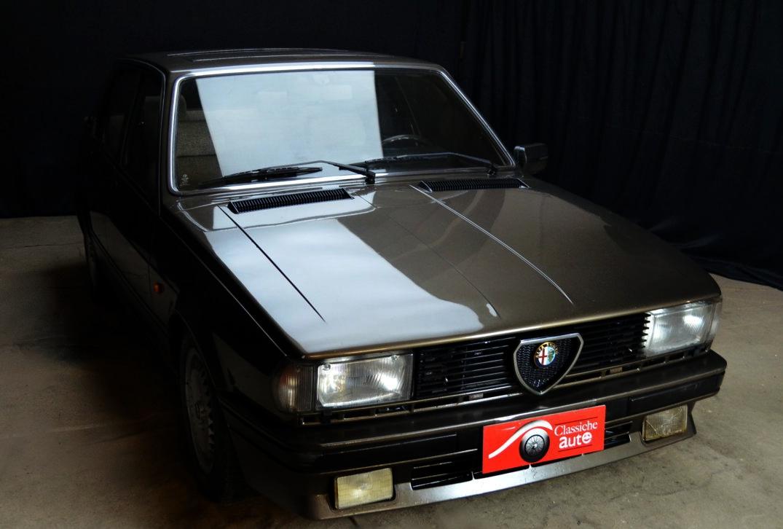 alfa romeo giulietta anno 1985 certificata asi autoclassiche. Black Bedroom Furniture Sets. Home Design Ideas