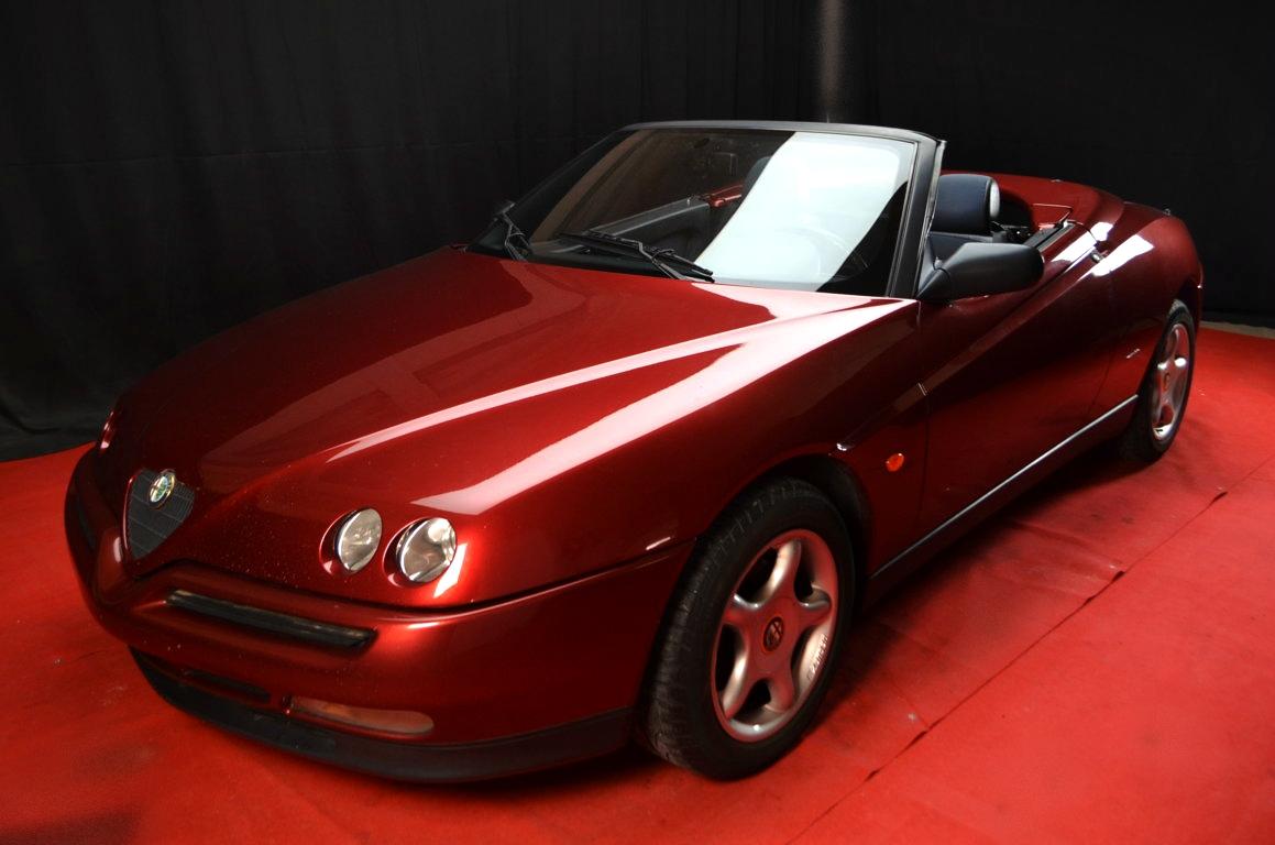 Alfa Romeo Spider 916 bordeaux - ClassicheAuto 1