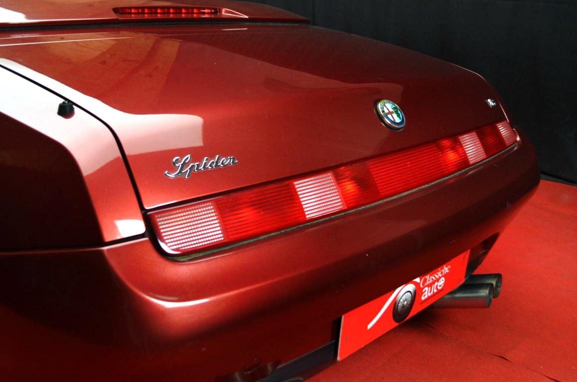 Alfa Romeo Spider 916 bordeaux - ClassicheAuto 10