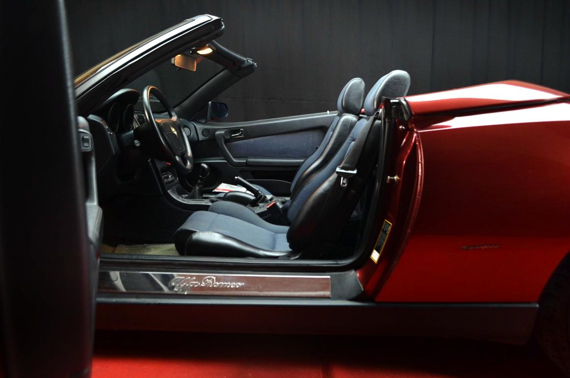 Alfa Romeo Spider 916 bordeaux - ClassicheAuto 12