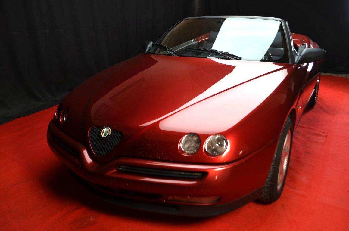 Alfa Romeo Spider 916 bordeaux - ClassicheAuto 2