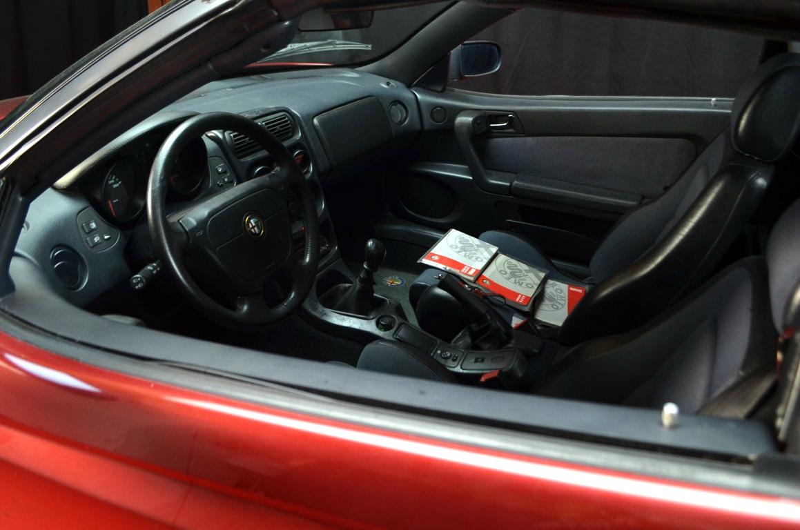 Alfa Romeo Spider 916 bordeaux - ClassicheAuto 20