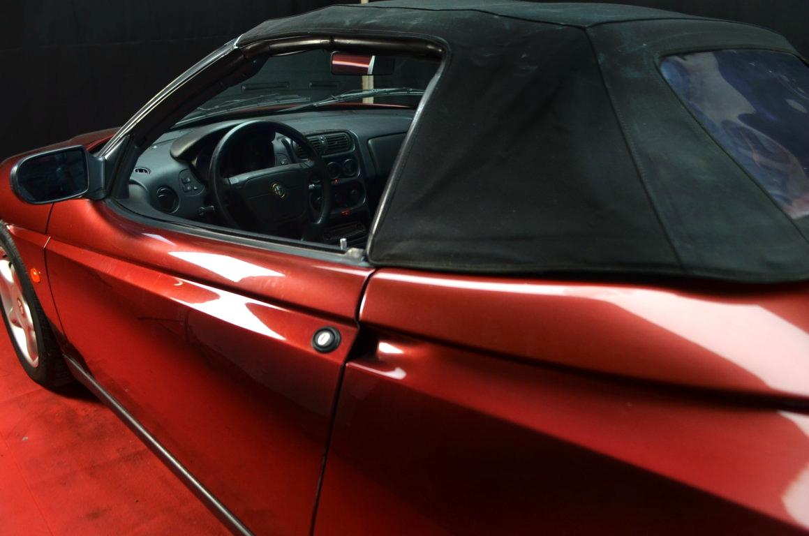 Alfa Romeo Spider 916 bordeaux - ClassicheAuto 21