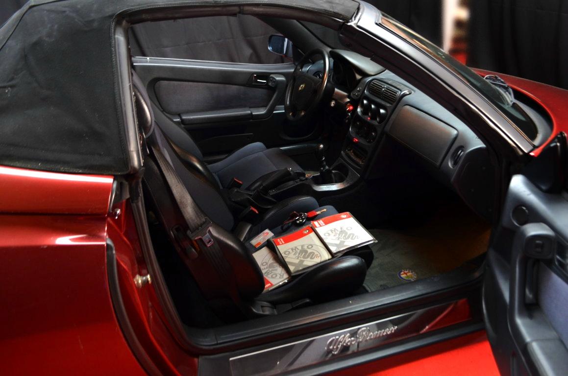 Alfa Romeo Spider 916 bordeaux - ClassicheAuto 25