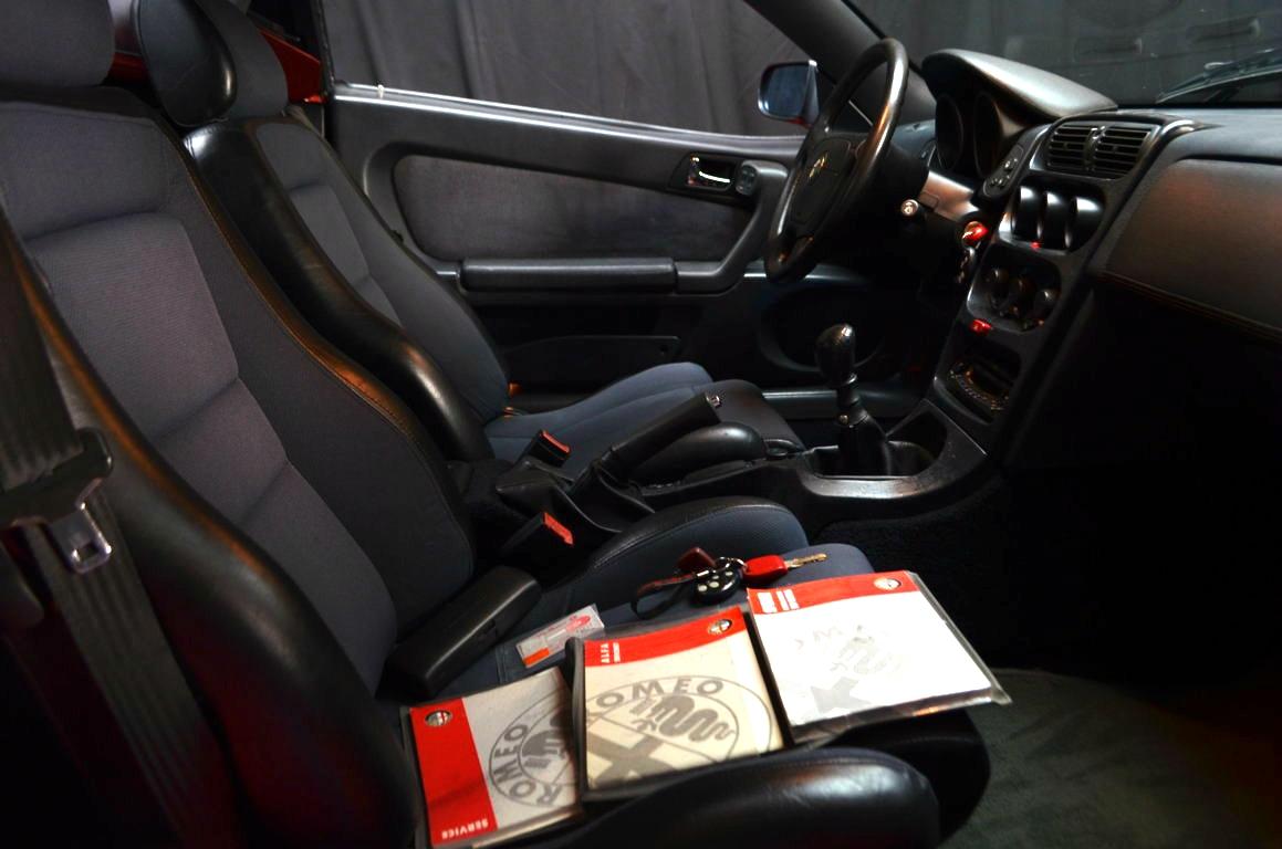 Alfa Romeo Spider 916 bordeaux - ClassicheAuto 26