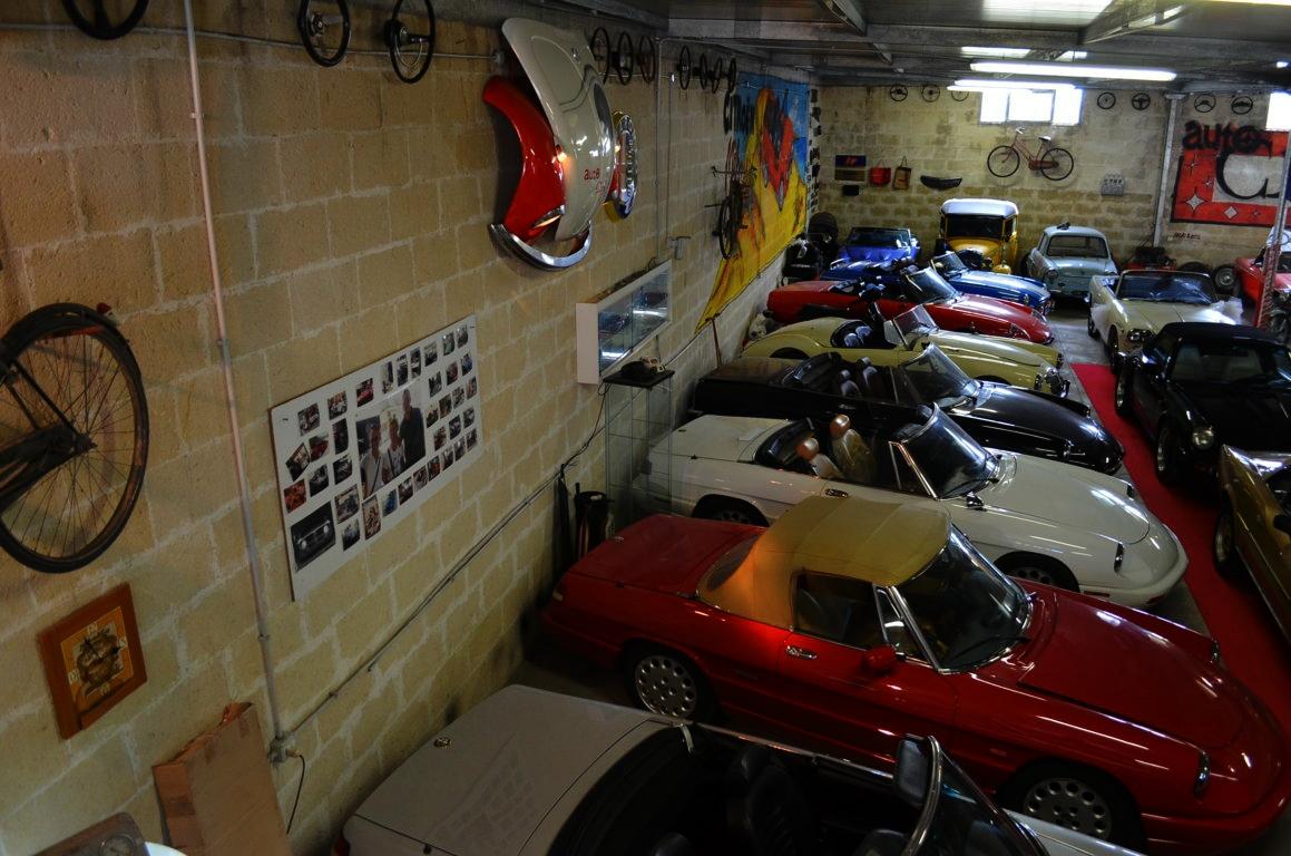 Alfa Romeo Spider 916 bordeaux - ClassicheAuto 31