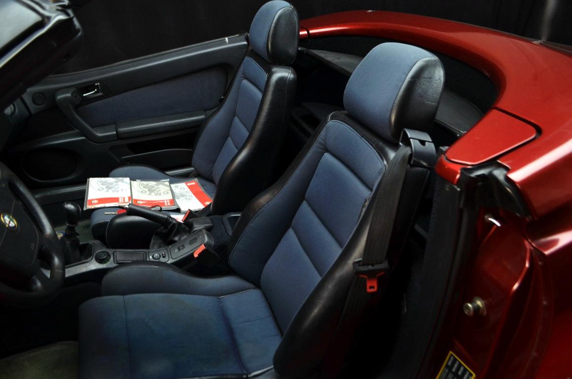 Alfa Romeo Spider 916 bordeaux - ClassicheAuto 5