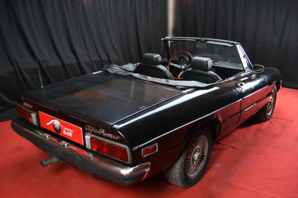 Alfa-Romeo-Spider-II-serie-nera-ClassicheAuto-19