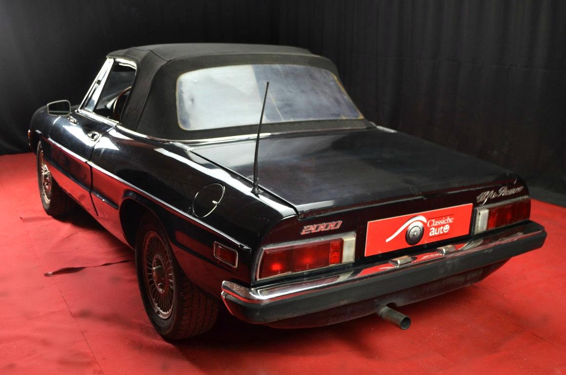 Alfa-Romeo-Spider-II-serie-nera-ClassicheAuto-26