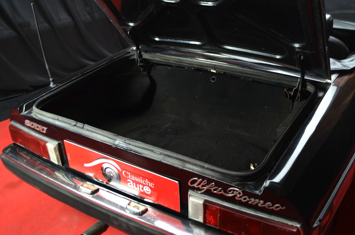 Alfa-Romeo-Spider-II-serie-nera-ClassicheAuto-28