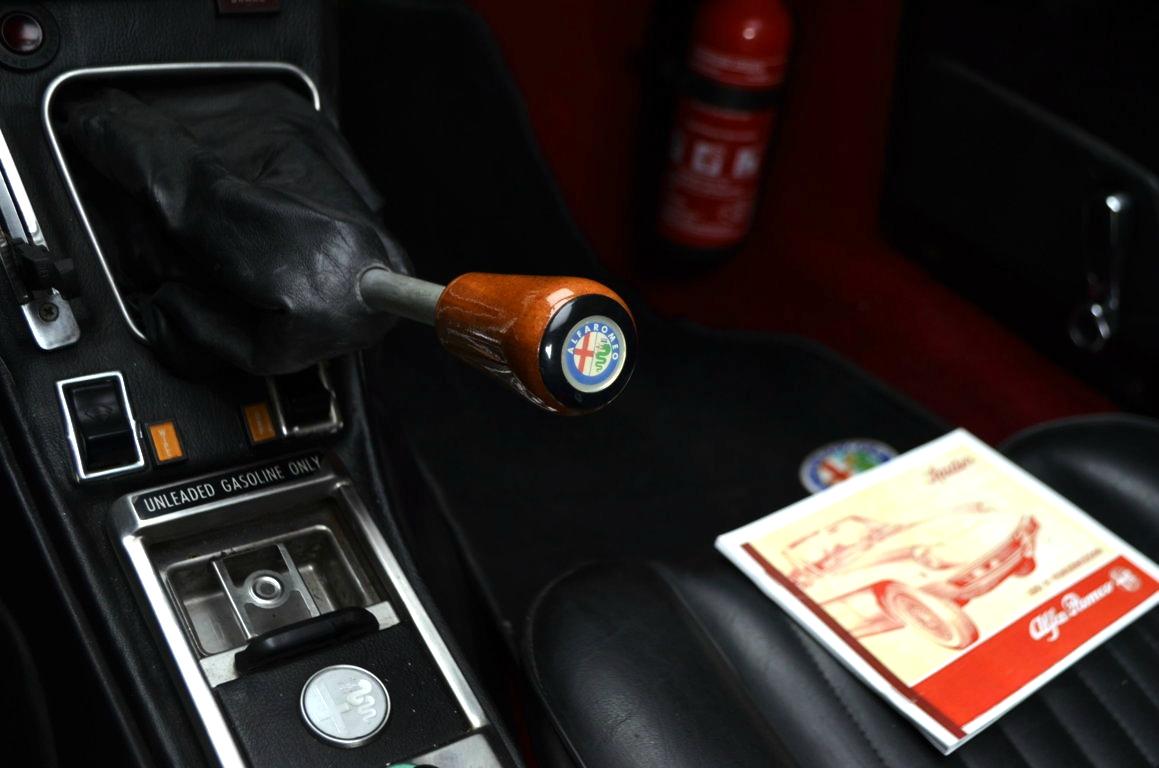 Alfa-Romeo-Spider-II-serie-nera-ClassicheAuto-6