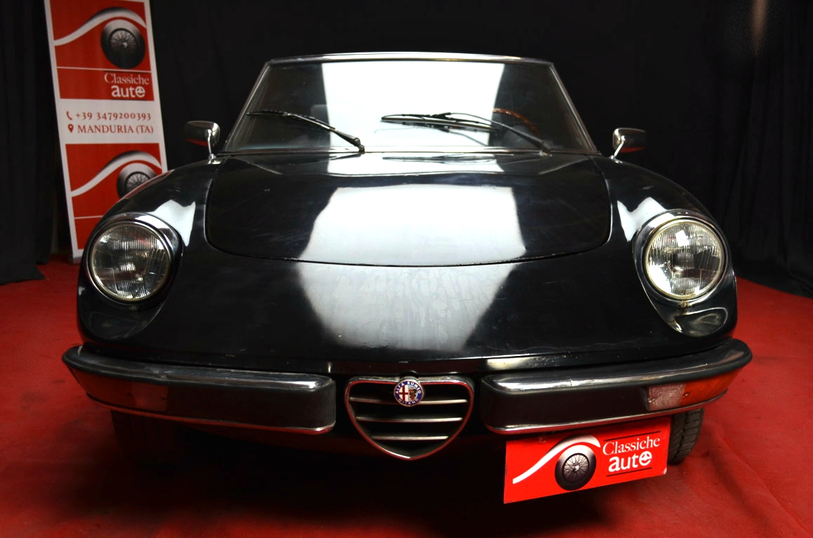 Alfa-Romeo-Spider-II-serie-nera-ClassicheAuto-8