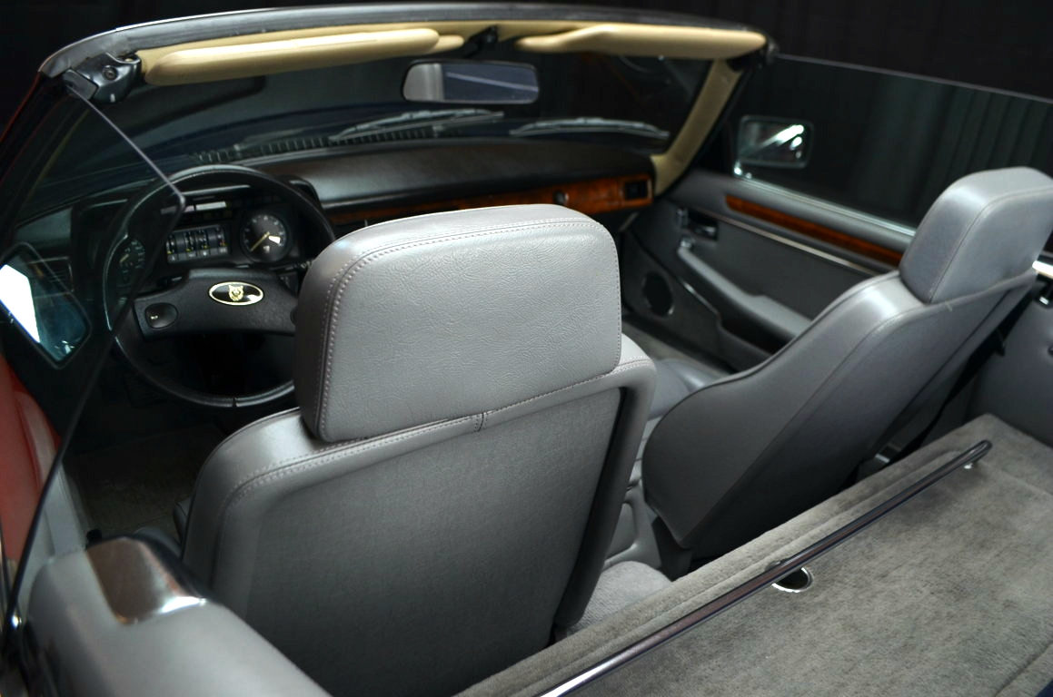 Jaguar-XJS-Blu-ClassicheAuto-11
