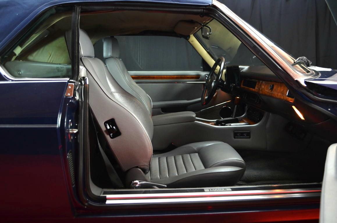 Jaguar-XJS-Blu-ClassicheAuto-20