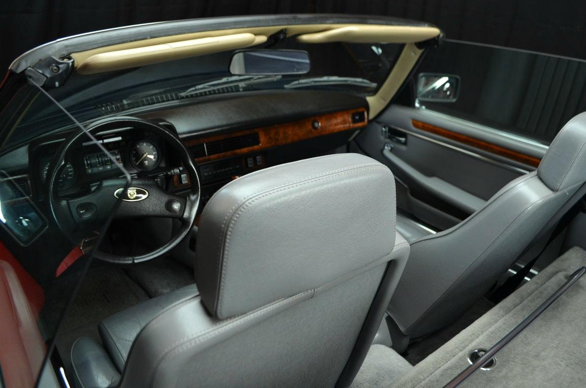 Jaguar-XJS-Blu-ClassicheAuto-7