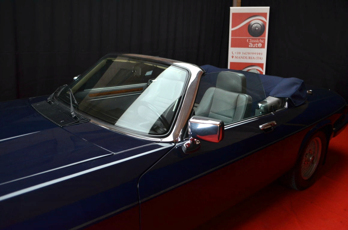 Jaguar-XJS-Blu-ClassicheAuto-8