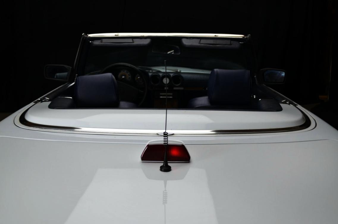 Mercedes 560 SL bianco - ClassicheAuto 10