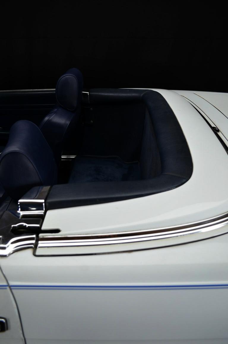 Mercedes 560 SL bianco - ClassicheAuto 4