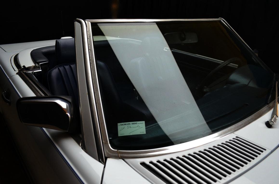 Mercedes 560 SL bianco - ClassicheAuto 7