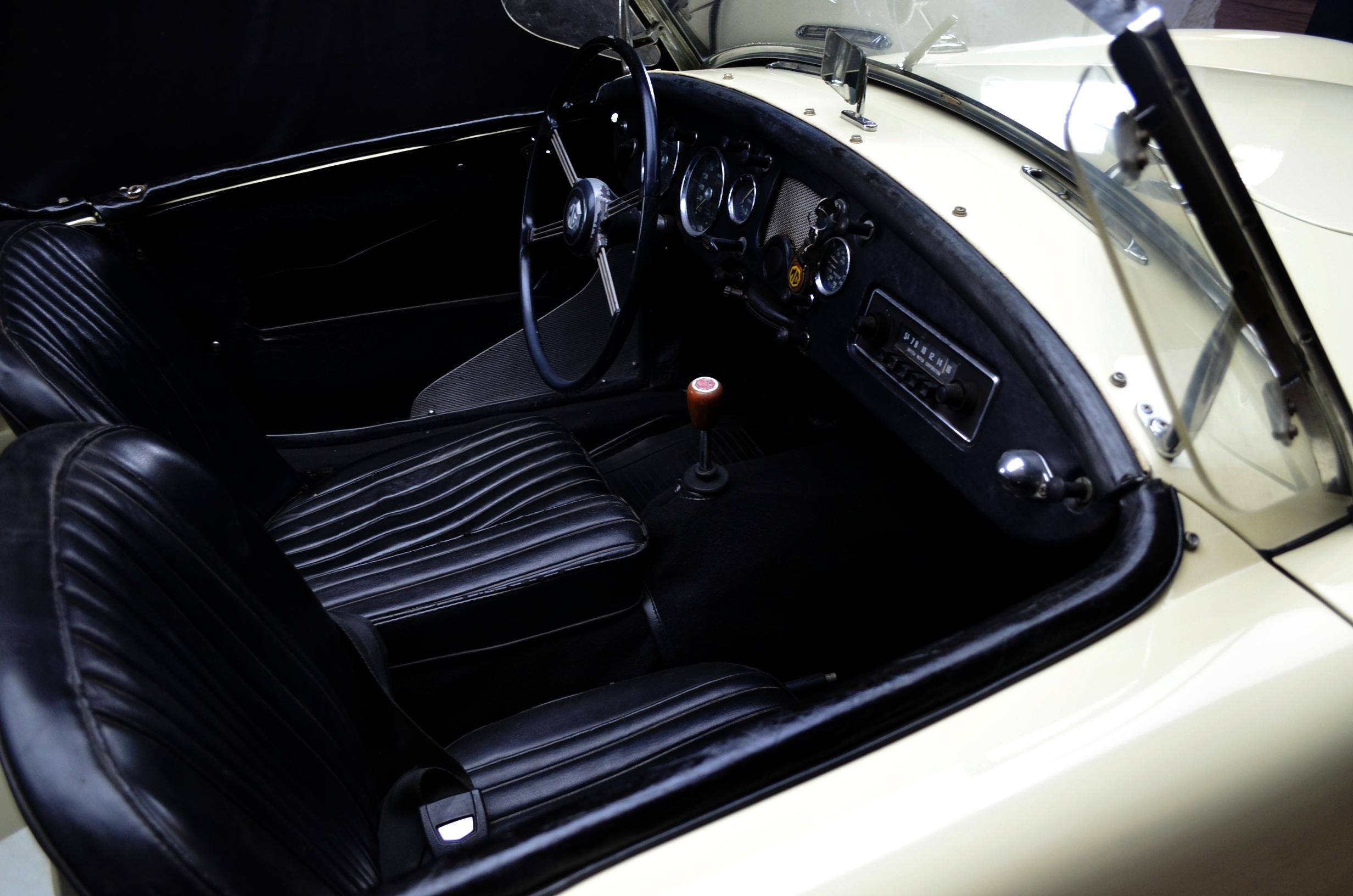 MG A Roadster, anno 1957 - ClassicheAuto 12
