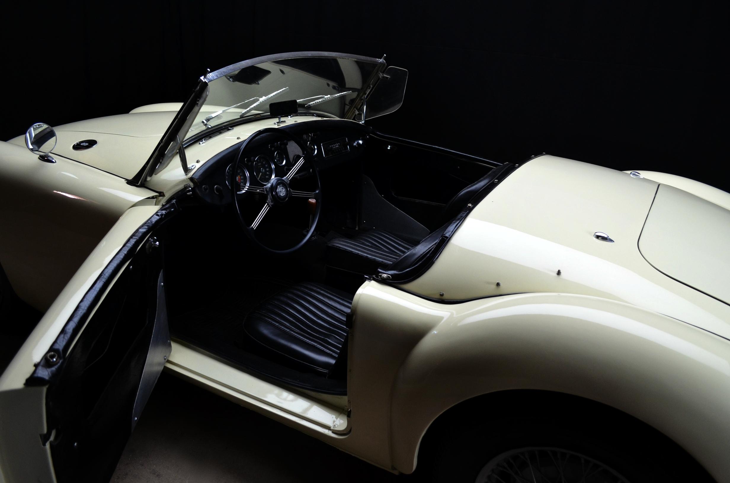 MG A Roadster, anno 1957 - ClassicheAuto 6