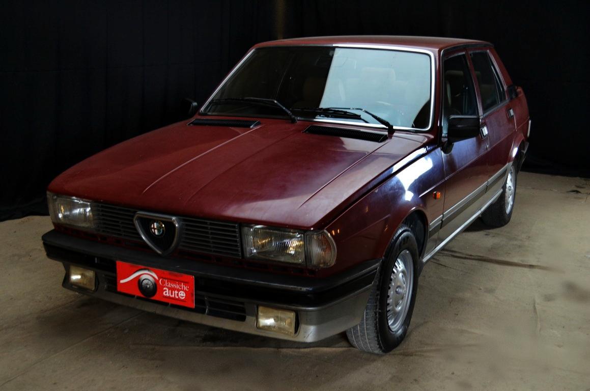 alfa romeo giulietta 2 0 cc turbodiesel anno 1985 certificata asi autoclassiche. Black Bedroom Furniture Sets. Home Design Ideas